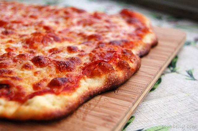 how to make homemade pepperoni pizza from scratch